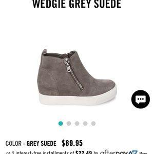 Steve Madden Wedgie Grey suede